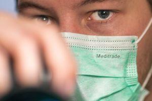 Estudio revela posibles nuevos síntomas del coronavirus, y no tienen nada que ver con un resfriado