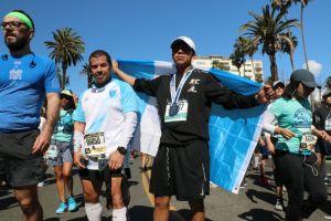 Atletas vencen el miedo en la Maratón de LA