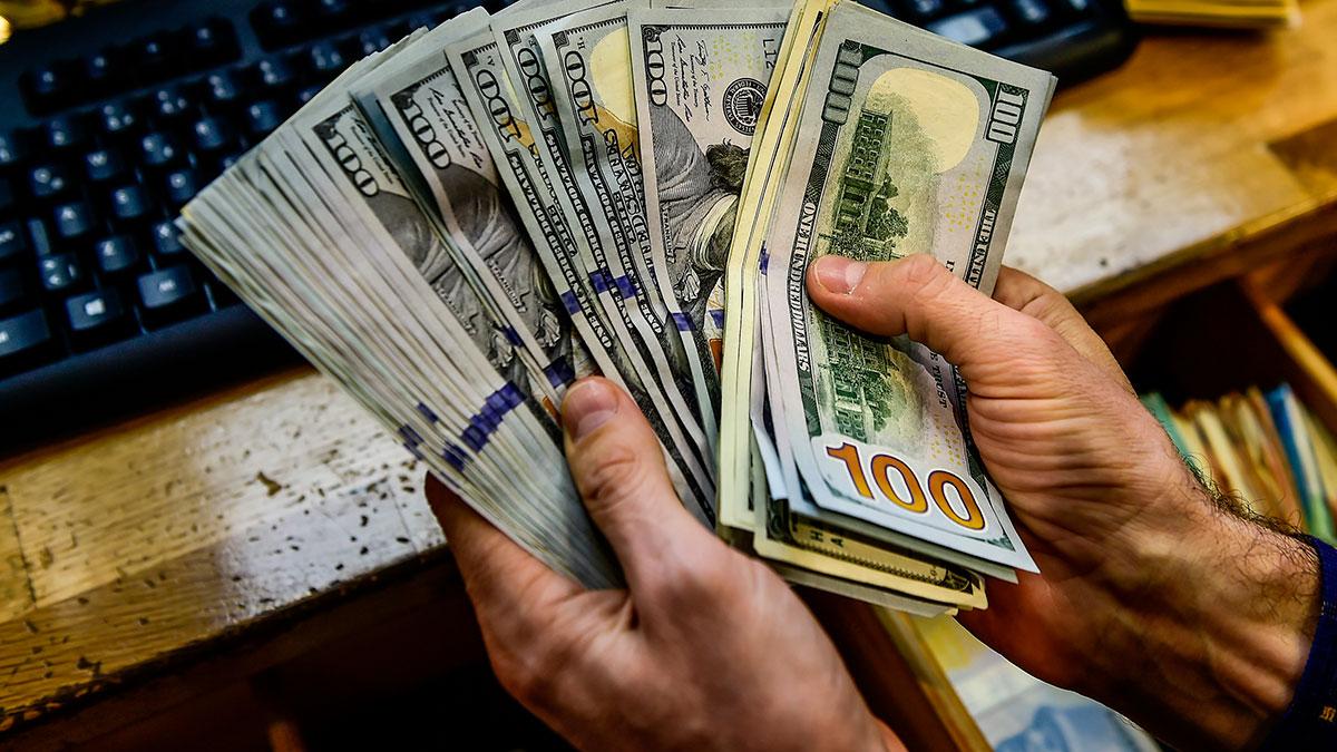 Un cliente de un popular restaurante de Florida dejó una propina de $10 mil para ayudar al personal en la crisis del coronavirus