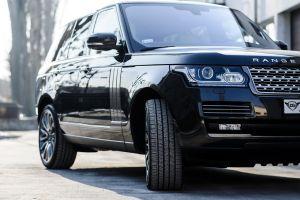 La novedosa técnica de Jaguar Land Rover para purificar el aire de sus autos