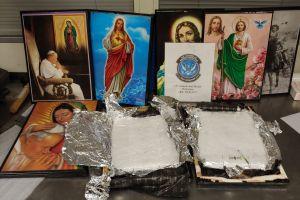¡Santa metanfetamina!... Decomisan droga enviada en cuadros con imágenes religiosas