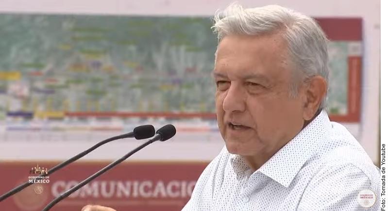 """AMLO descarta aislarse, dice que conservadores quieren """"tomar el control"""" de México"""