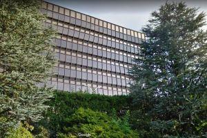 Hombre amenazó con explotar centro de pruebas del virus en Nueva York