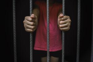 ¿Es correcto arrestar a una niña de seis años?