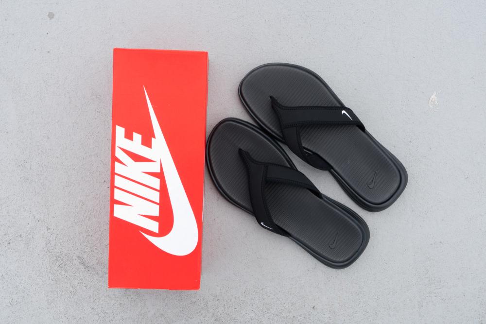 Los mejores estilos de sandalias Nike de mujer por menos de $40