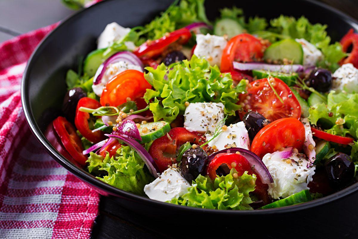 Come más verdes: 4 ideas de ensaladas abundantes, ligeras y muy nutritivas para el verano