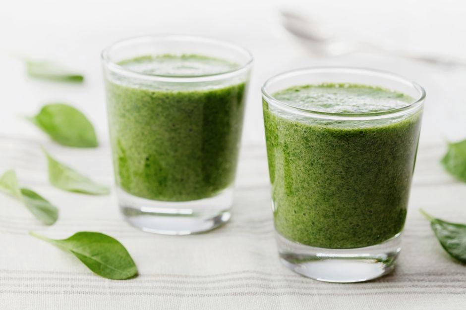 4 jugos verdes enriquecidos con vitamina C y fuertes en antioxidantes