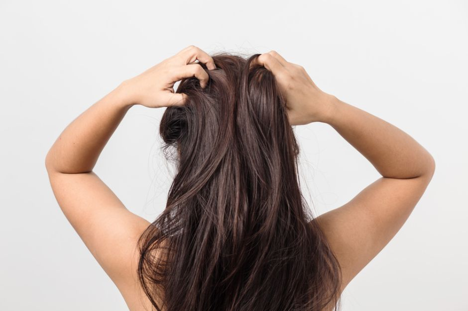 3 beneficios del vinagre de manzana para el cabello y el cuero cabelludo