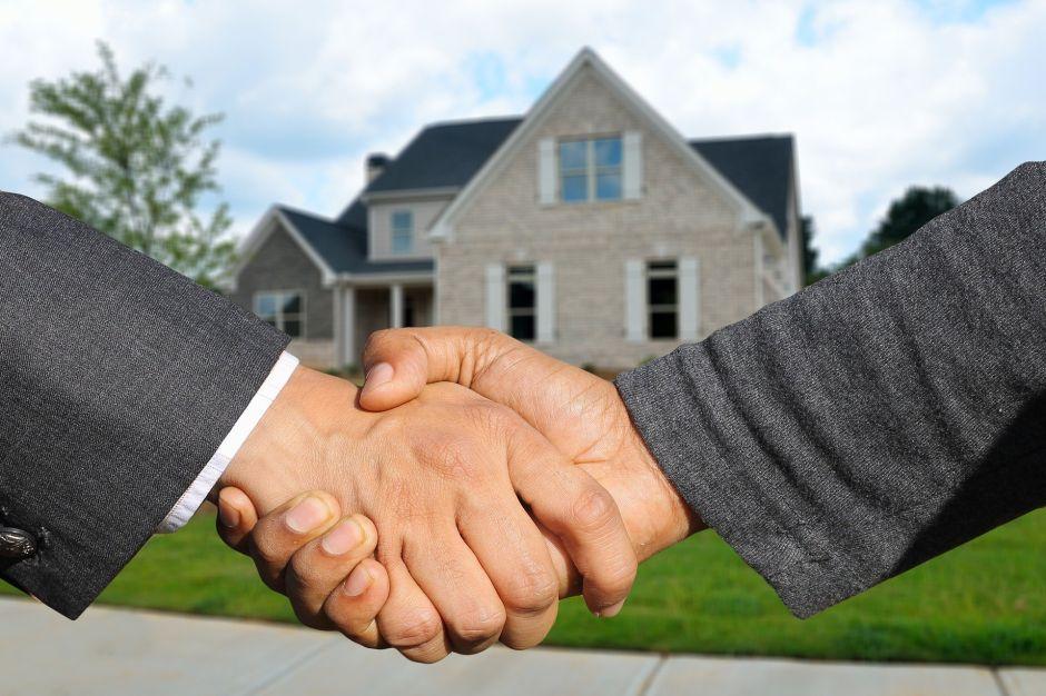 Coronavirus afecta a compradores y vendedores de casas en Estados Unidos en pocos días