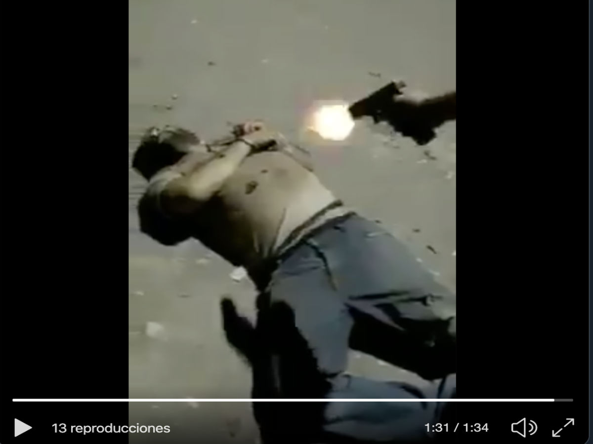 VIDEO: La Familia Michoacana interroga y mata con tiro de gracia a sicario del CJNG