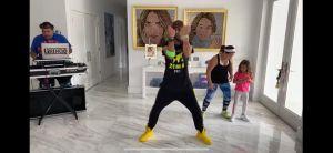 Video: Adamari López y Alaïa bailan zumba junto a Toni Costa por una buena causa