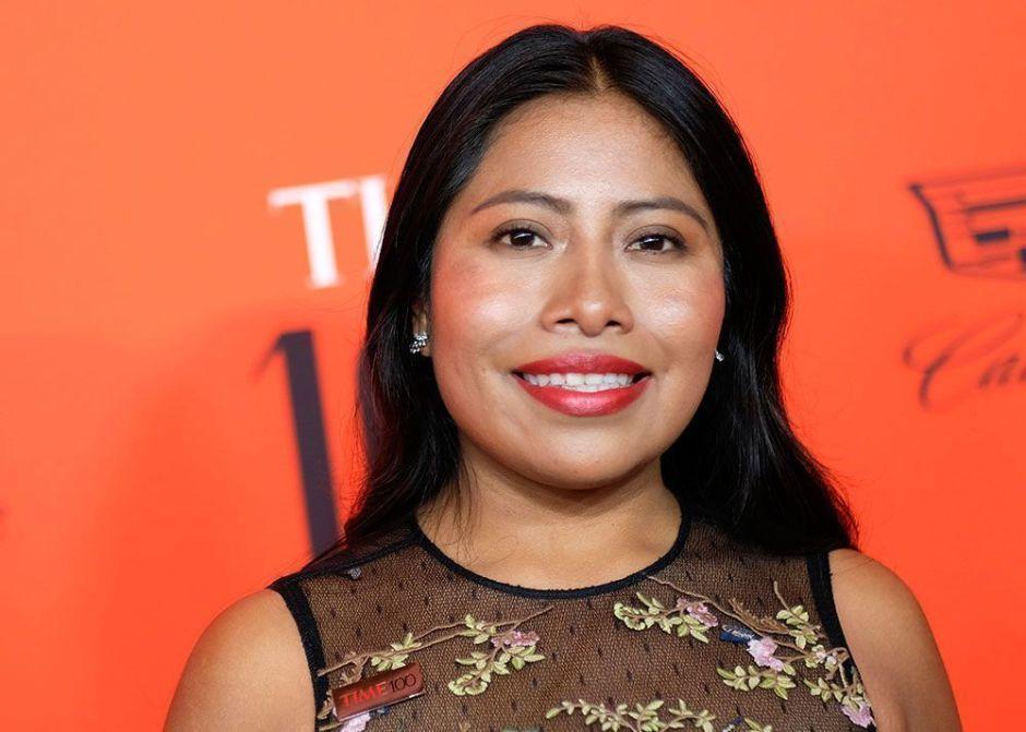 Yalitza Aparicio presume su corazón celeste y manda mensaje a Cruz Azul