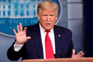 Trump ordena bajar las banderas a media asta para honrar a las víctimas del coronavirus