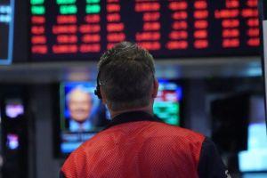 """Qué es el """"smart money"""", la fuerza invisible que se queda en los mercados cuando todos huyen"""