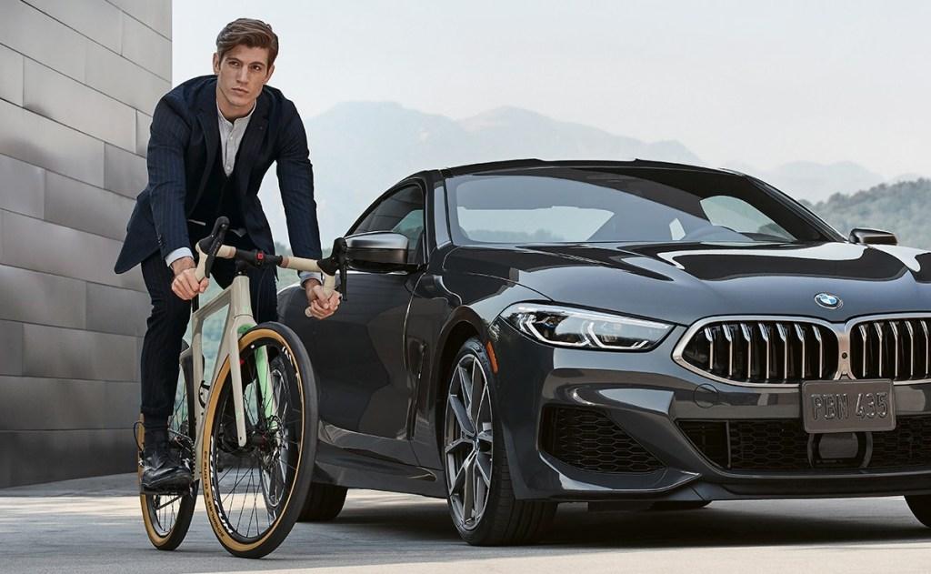 La BMW Ultimate Riding Machine es la bicicleta ideal para aquellos aficionados del ciclismo que buscan siempre rodar con todo el estilo y lo mejor de la tecnología.