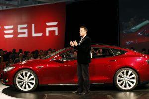 Por coronavirus, Tesla reduce hasta 30% el sueldo de sus empleados