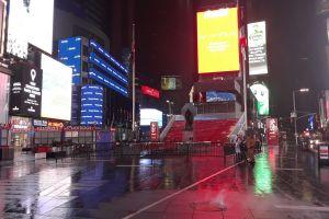 """Gobernador de Nueva York critica plan """"no realista"""" de reabrir teatros de Broadway el 7 de junio; premios Tony en el limbo"""