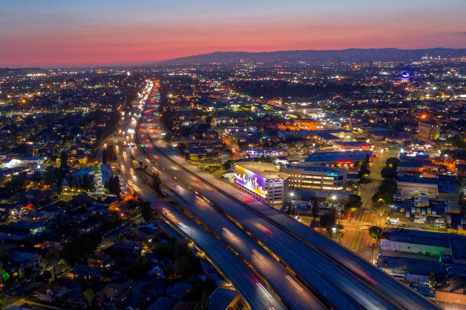 La próxima semana cerrarán tramos de las autopistas 10 y 15 en el sur de California por trabajos de mantenimiento