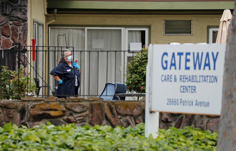El coronavirus ataca los centros para ancianos