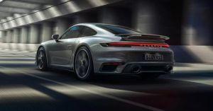 La nueva colección de ropa y tenis de Porsche que no te puedes perder