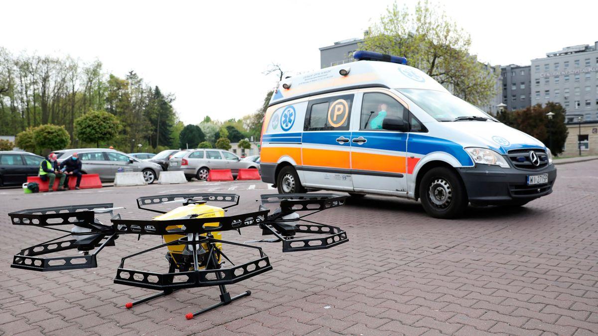 El dron llegó al Hospital Clínico Central del Ministerio del Interior y Administración en Varsovia.