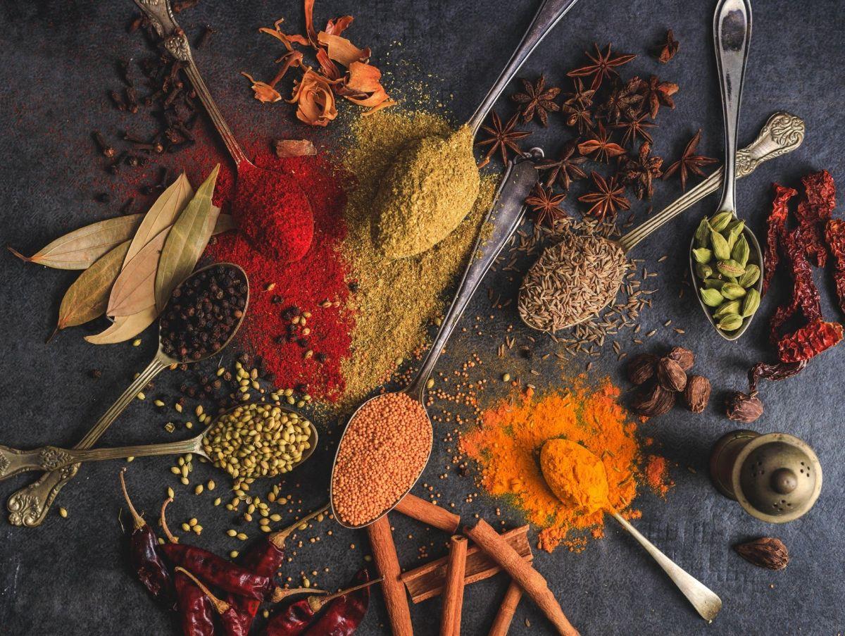 Integrar especias en una alimentación equilibrada, es el mejor complemento para perder peso, depurar y desinflamar el organismo.