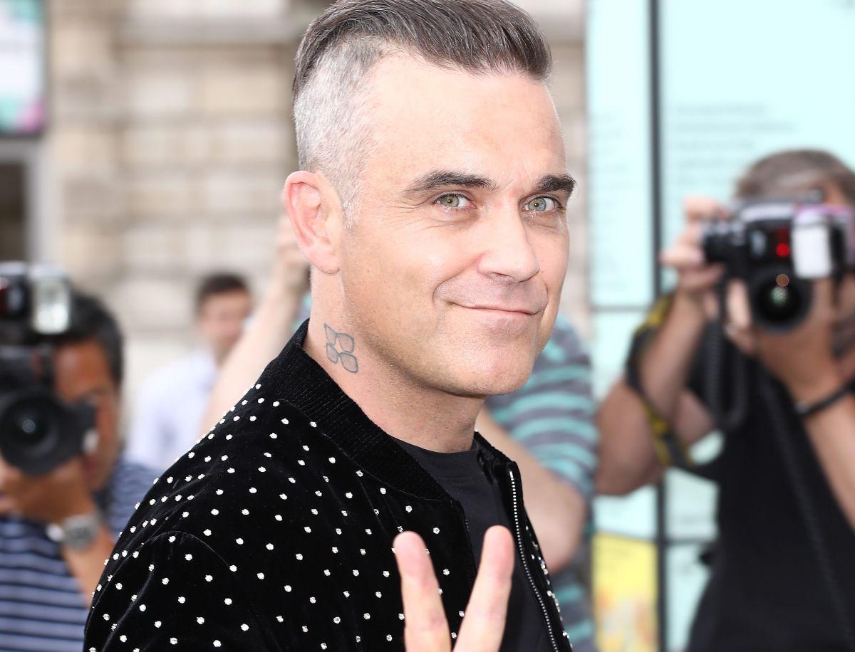 Robbie Williams habría dado positivo en coronavirus
