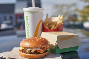 McDonald's ofrece comidas gratis a los trabajadores de la salud y primeros auxilios como agradecimiento