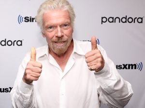 El multimillonario dueño de Virgin pide ayuda del gobierno para salvar sus aerolíneas afectadas por la pandemia