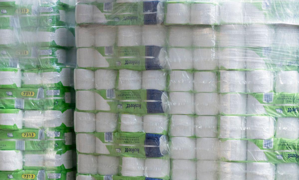 El cliente había comprado el papel y el desinfectante a través de una sofisticada operación en el que participaron más de 20 personas.