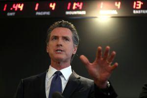El gobernador de California Gavin Newsom da a conocer condiciones para el regreso del deporte