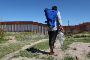 Dos visiones en Arizona sobre el muro de Trump: protección o traición a los ideales de EE.UU.