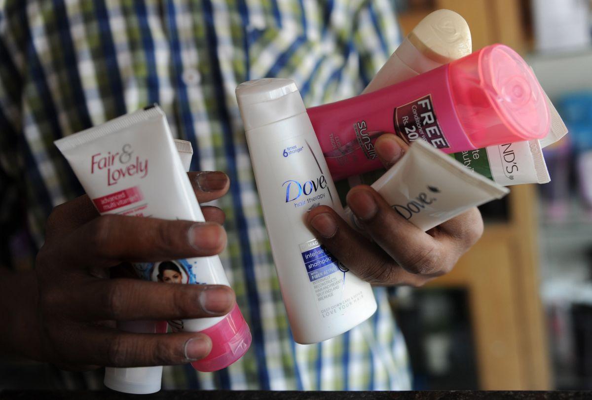 Disminuye la venta de shampoo, desodorante y máquinas de afeitar durante la pandemia de COVID-19