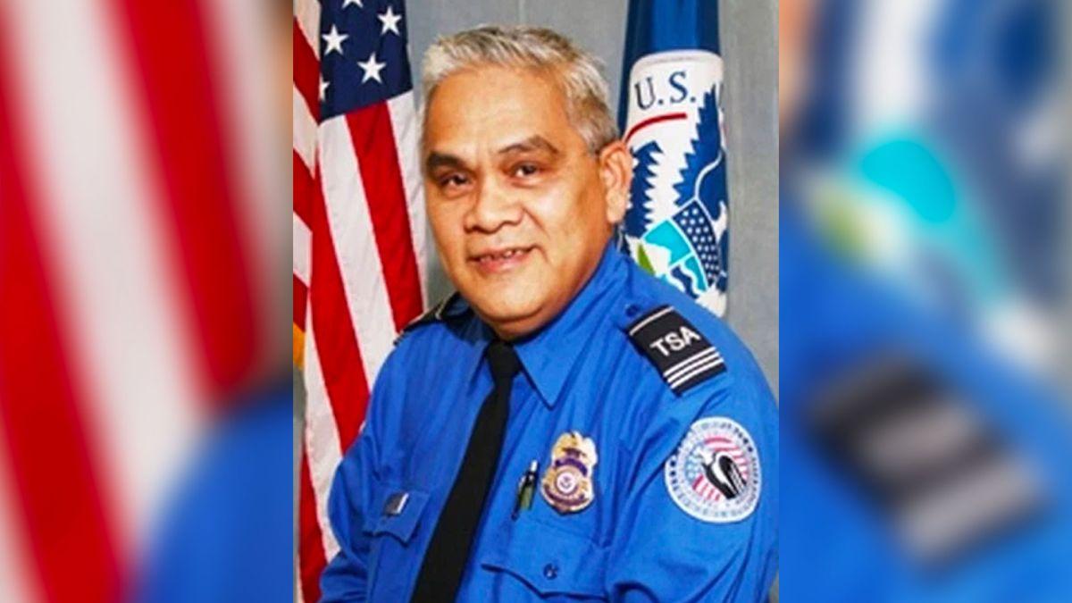 Victor Chung, de 65 años, empezó a trabajar en la agencia federal el 15 de septiembre de 2002