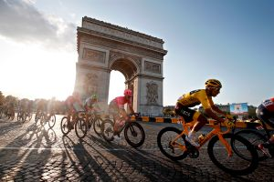 Se niegan a cancelar, aplazan dos meses el Tour de Francia