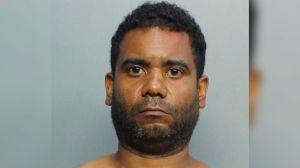 Arrestan a un hombre hispano por robar en un McDonald's a punta de pistola