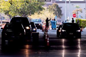 El coronavirus hizo que las ceremonias de ciudadanía se hagan en autos