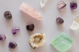 Cómo usar el poder de los cristales para mejorar tu carrera laboral