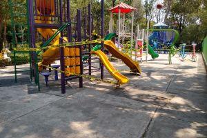 Coronavirus: Acordonan parques del centro de Ciudad de México para evitar contagios