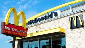 Demandan a McDonald's por $500 millones por casos de acoso sexual