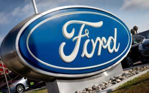 Ford cautiva al presidente Trump con un superdeportivo de $750,000