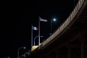 'Hay cosas más importantes que la vida': vice gobernador de Texas desata nueva polémica