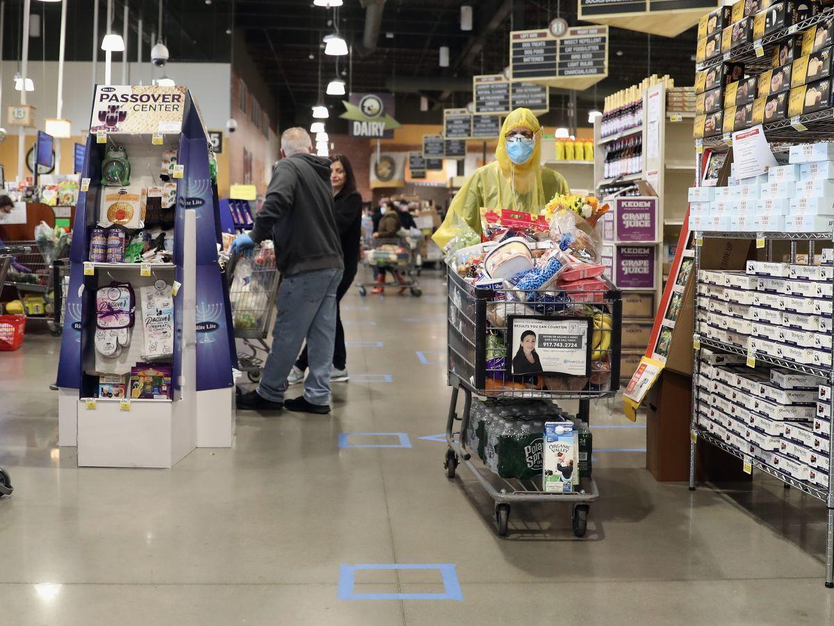 Los especialistas esperan que durante las siguientes semanas las compras de pánico disminuyan.