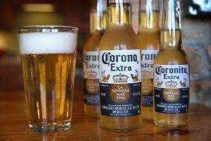 Conoce cómo afecto a cerveza Corona que la relacionaran con el coronavirus