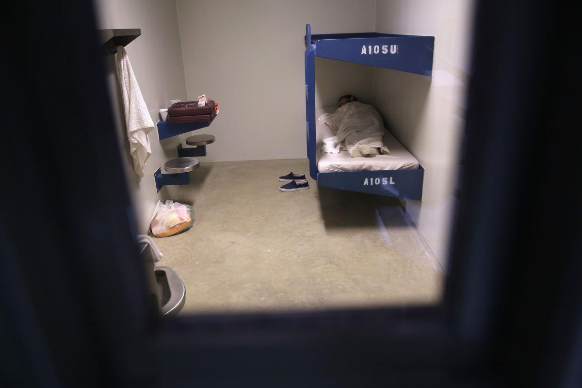 Alarmante incremento de inmigrantes con coronavirus en cárceles de ICE