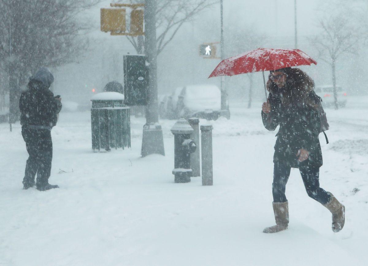 Estado de Maine registra hasta 12 pulgadas de nieve en algunas zonas por tormenta en primavera