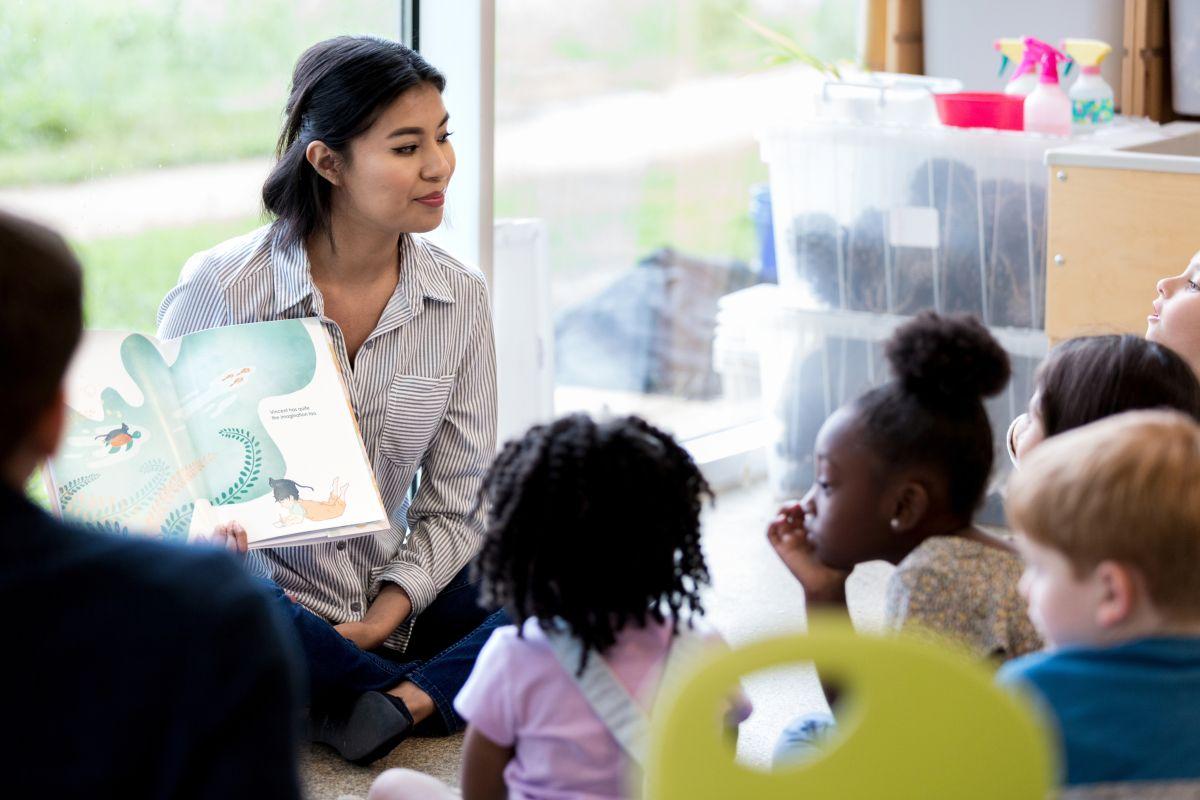 Cómo obtener una educación bilingüe exitosa en el hogar
