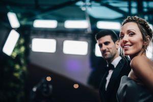 Novak Djokovic deja que su esposa le corte el cabello y el resultado le encanta
