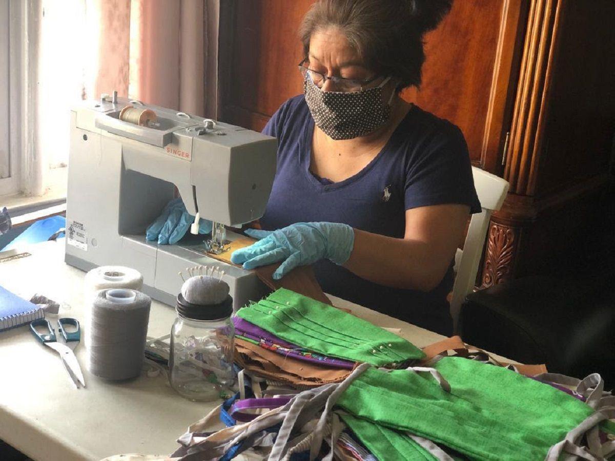 Maribel forma parte del esfuerzo de la organización La Colmena.
