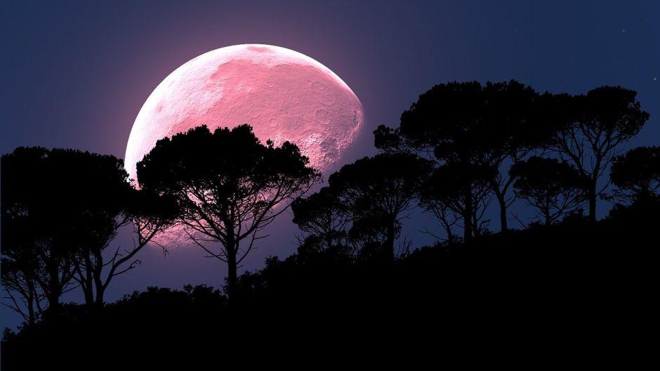 El 4 de Julio terminará con luna llena y un eclipse parcial